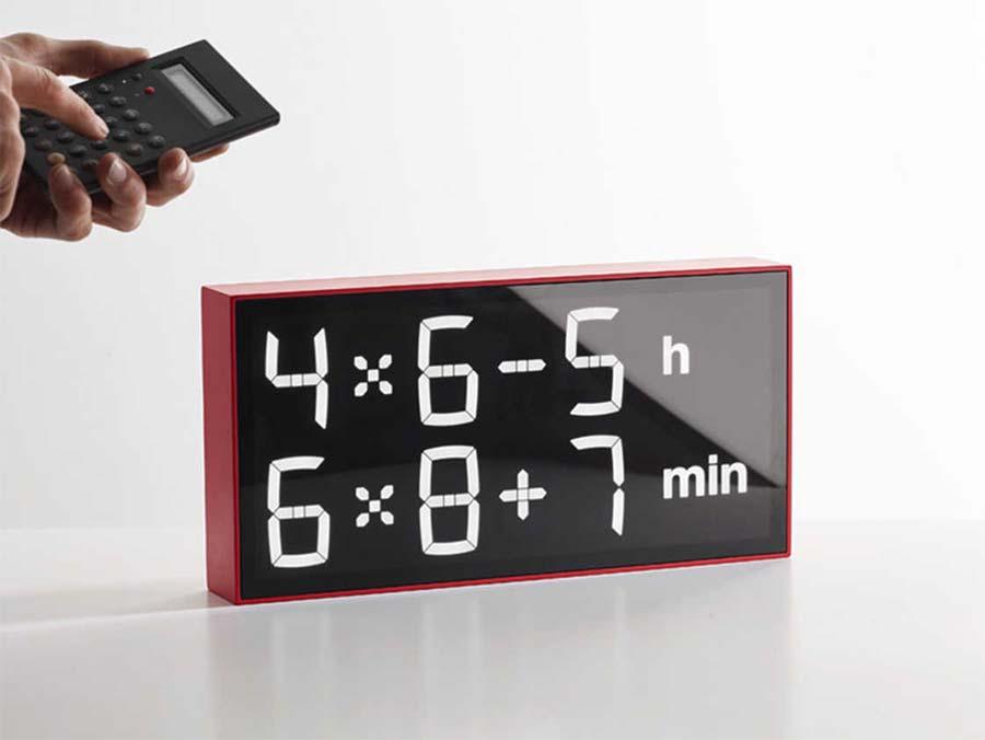 Diese Uhr lässt euch rechnen, wie spät es ist albert-clock_05