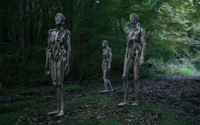 Figuren aus Treibholz