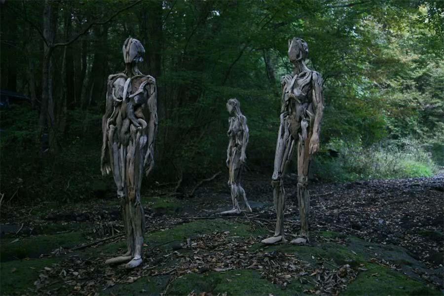 Figuren aus Treibholz driftwood-sculptures-Nagato-Iwasaki_01
