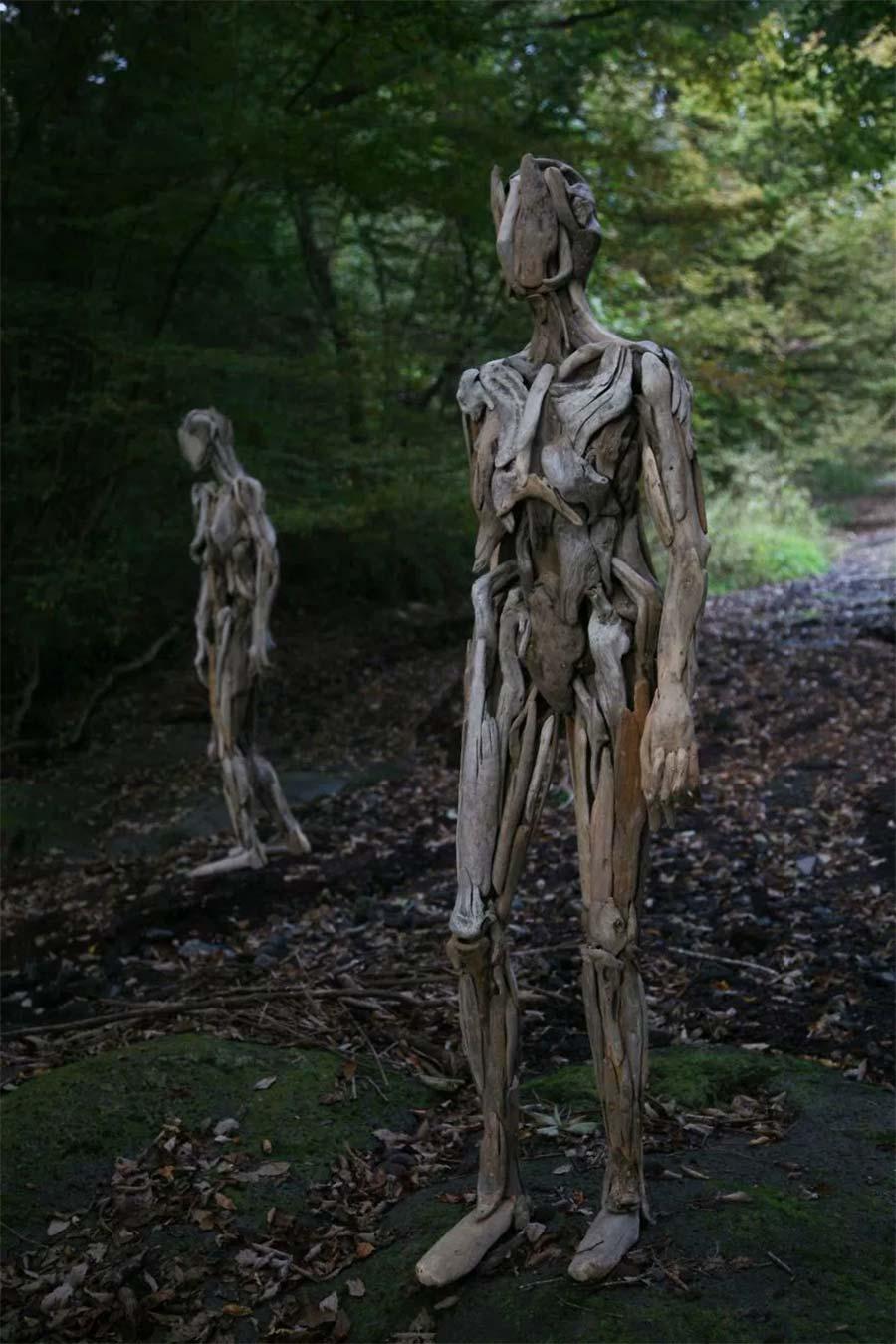 Figuren aus Treibholz driftwood-sculptures-Nagato-Iwasaki_03