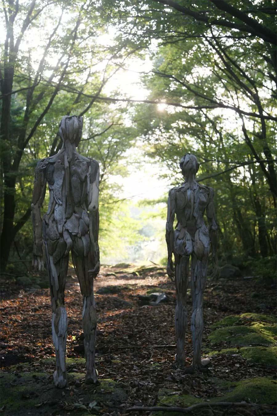 Figuren aus Treibholz driftwood-sculptures-Nagato-Iwasaki_04