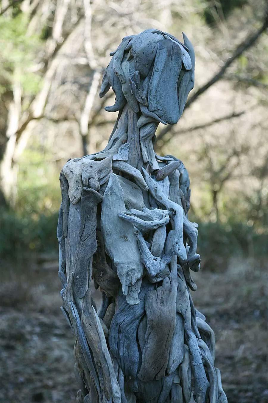 Figuren aus Treibholz driftwood-sculptures-Nagato-Iwasaki_07
