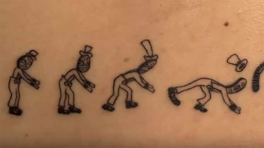 Rundum-Tattoo als Human Zoetrope