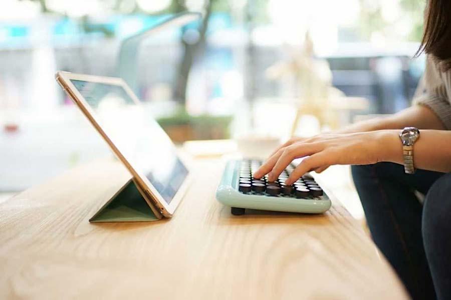 Computer-Tastatur mit Schreibmaschinen-Feeling lofree_schreibmaschinentastatur_04