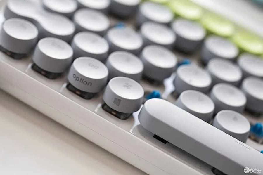 Computer-Tastatur mit Schreibmaschinen-Feeling lofree_schreibmaschinentastatur_05