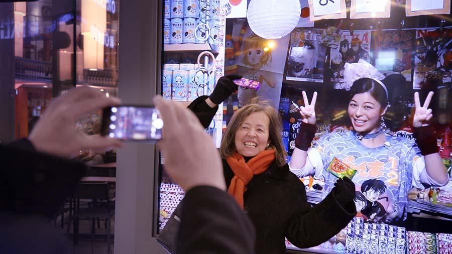 ReiseKiosk überrascht Passanten mit Livestream zu Händlern aus aller Welt lufthansa-reisekiosk_02