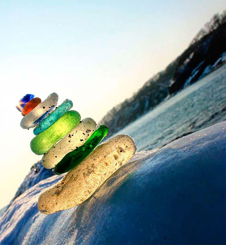 Russlands bunter Vodkaflaschen-Strand vodka-bottle-beach_05