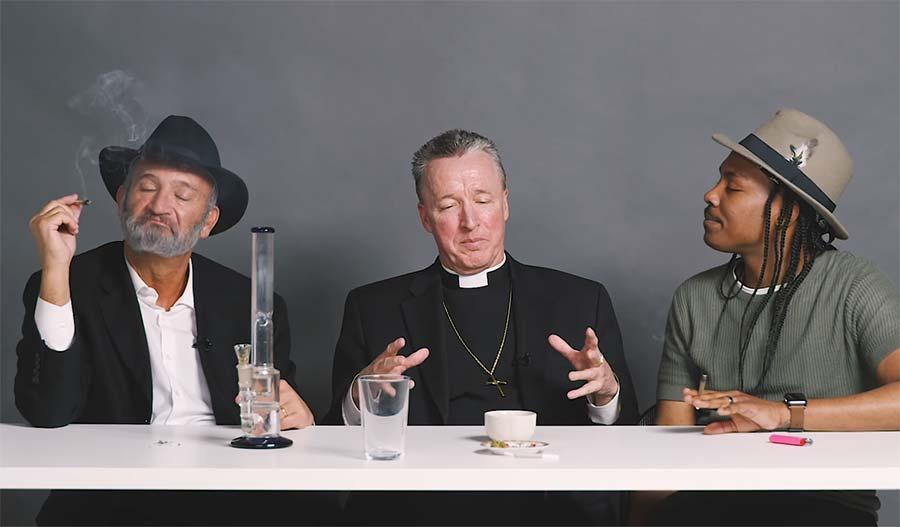 Ein Rabbi, ein Priester und ein Atheist rauchen Weed zusammen