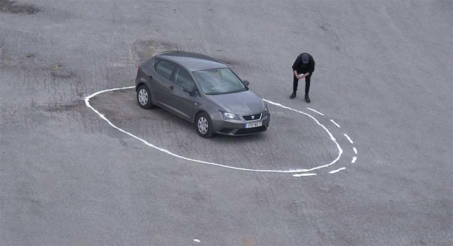 Ein selbstfahrendes Auto in die Falle locken