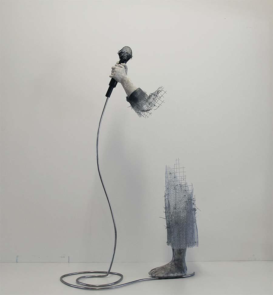 In Luft auflösende Skulpturen aus Draht Lene-Kilde-drahtkunst_05