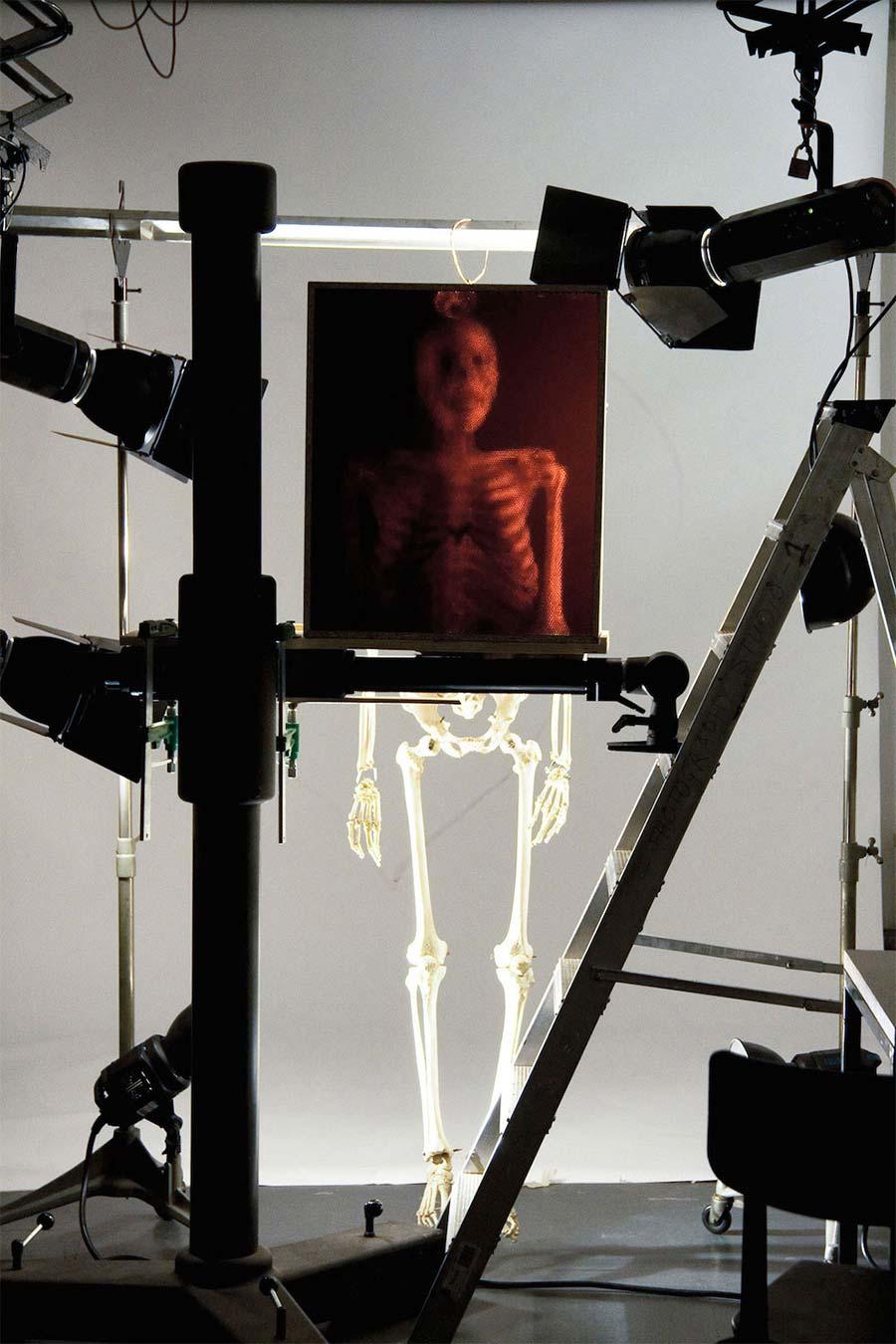 Eine Kamera aus 32.000 Strohhalmen camera-made-from-straws_04