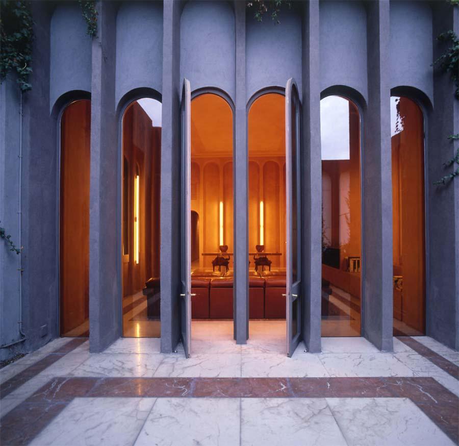 Villa aus alter Zementfabrik gezaubert la-fabrica-ricardo-bofil_03