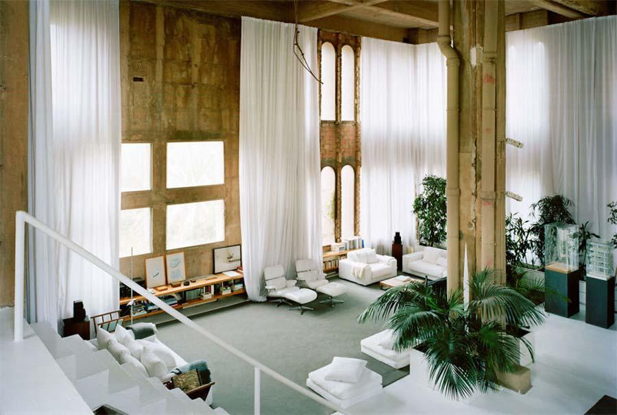 Villa aus alter Zementfabrik gezaubert la-fabrica-ricardo-bofil_06