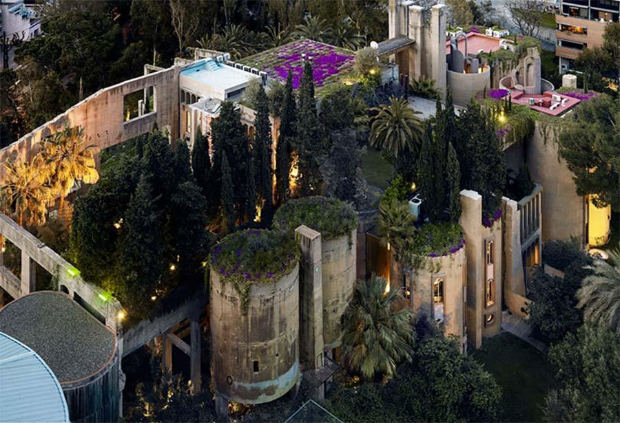Villa aus alter Zementfabrik gezaubert la-fabrica-ricardo-bofil_08