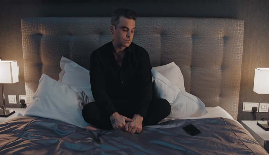 Robbie Williams - Mixed Signals robbie-williams-mixed-signals