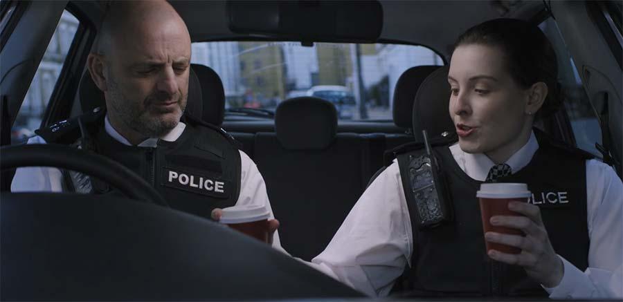 Beziehungsgeschichte eines Polizisten-Duos auf Streife short-standby
