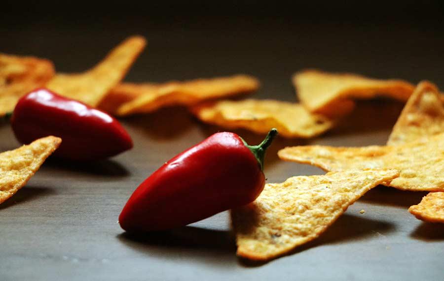 Wir haben uns zum Vier-Schärfe-Menü herausgefordert Doritos-sweet-chili-pepper-hot-challenge_02