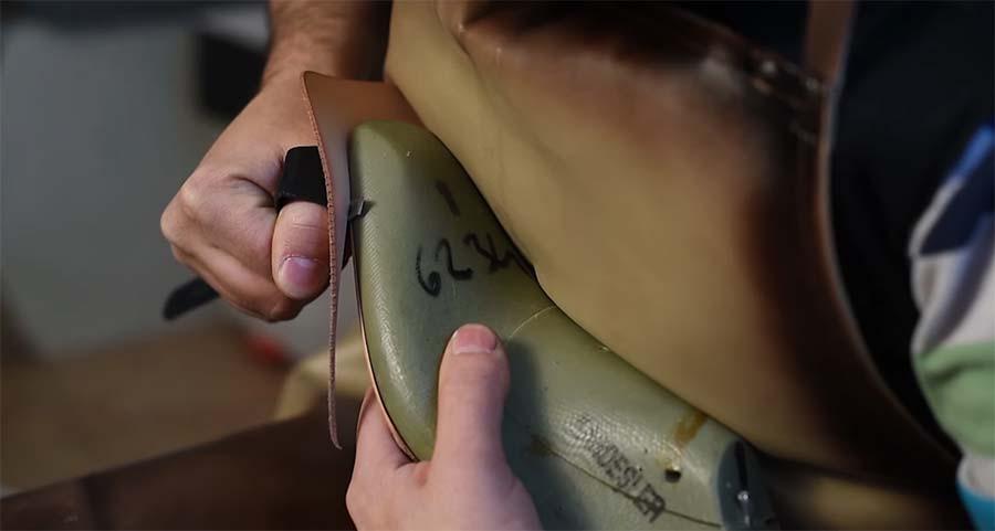 So werden Lederschuhe in Handarbeit hergestellt