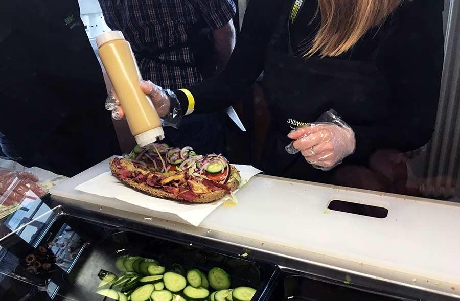 Street- trifft auf Sandwich-Art subway-streetfood-experience_08