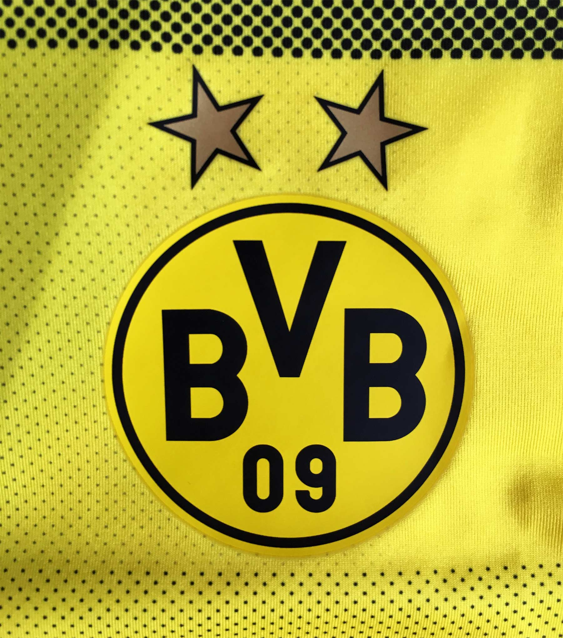 das neue bvb trikot f r die saison 2017 18. Black Bedroom Furniture Sets. Home Design Ideas