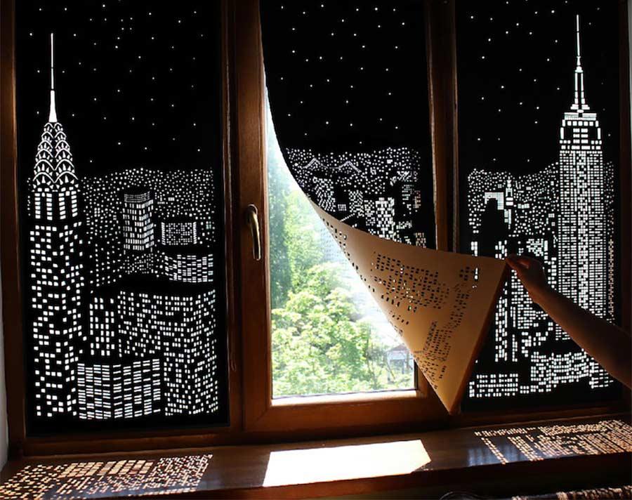 Jalousien mit Skyline-Lochmuster