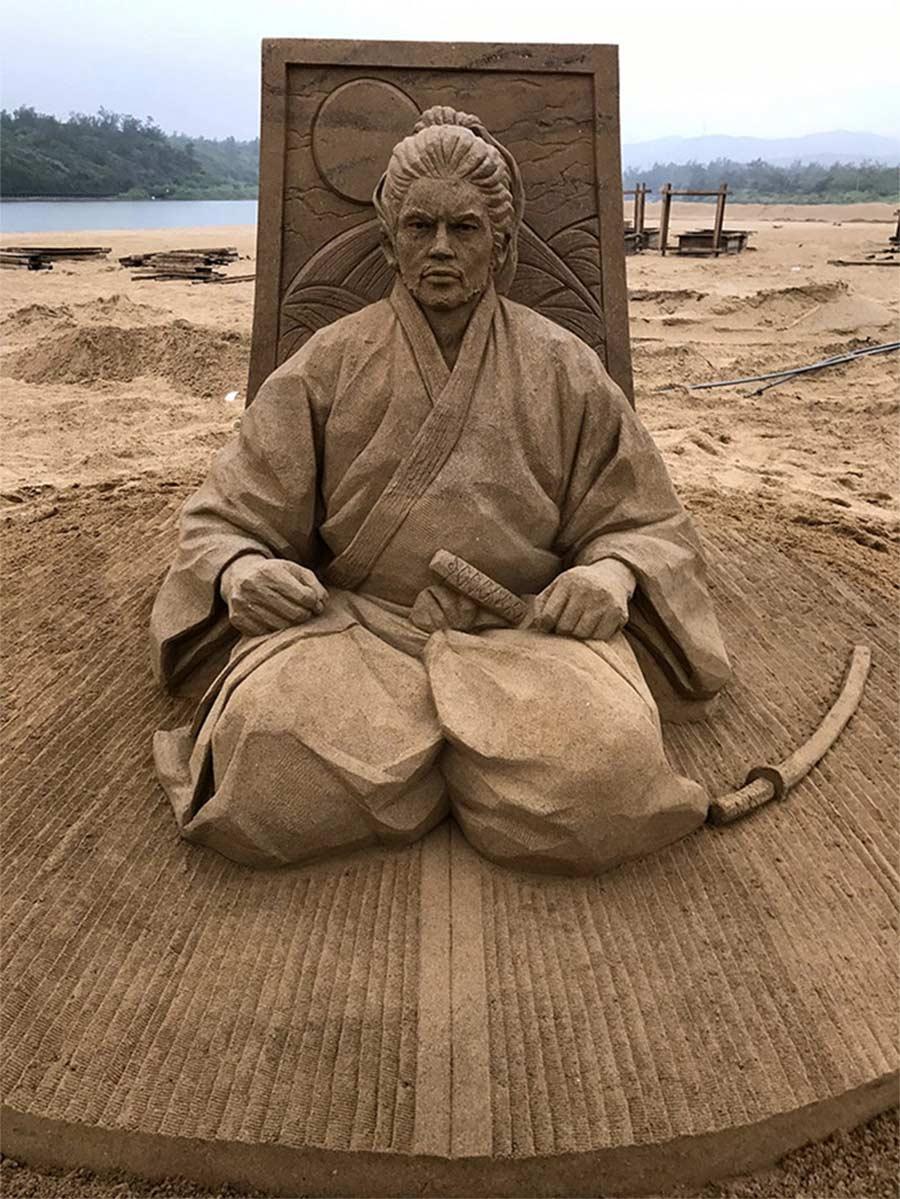 Sandskulpturen von Toshihiko Hosaka Toshihiko-Hosaka-sandsculptures_06