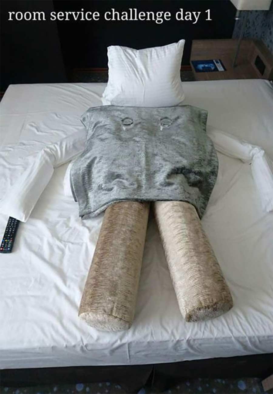 Kreative Bettmonster-Überraschungen eines Hotelgastes hotel-guest-surprise-maid_01