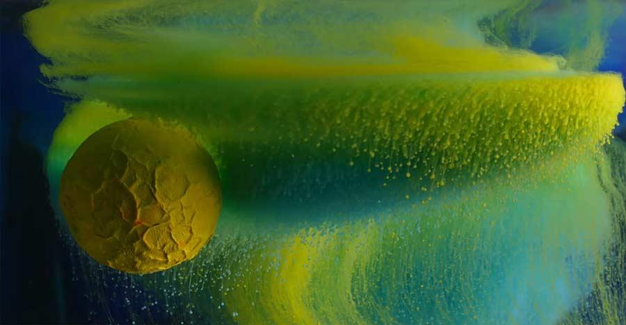 Makro-Aufnahmen von Tinte unter Wasser ink-in-motion