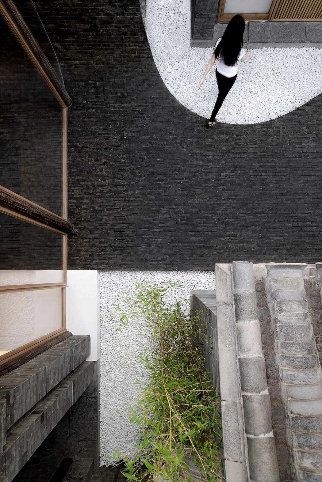 Twisting Courtyard Twisted-Courtyard_04