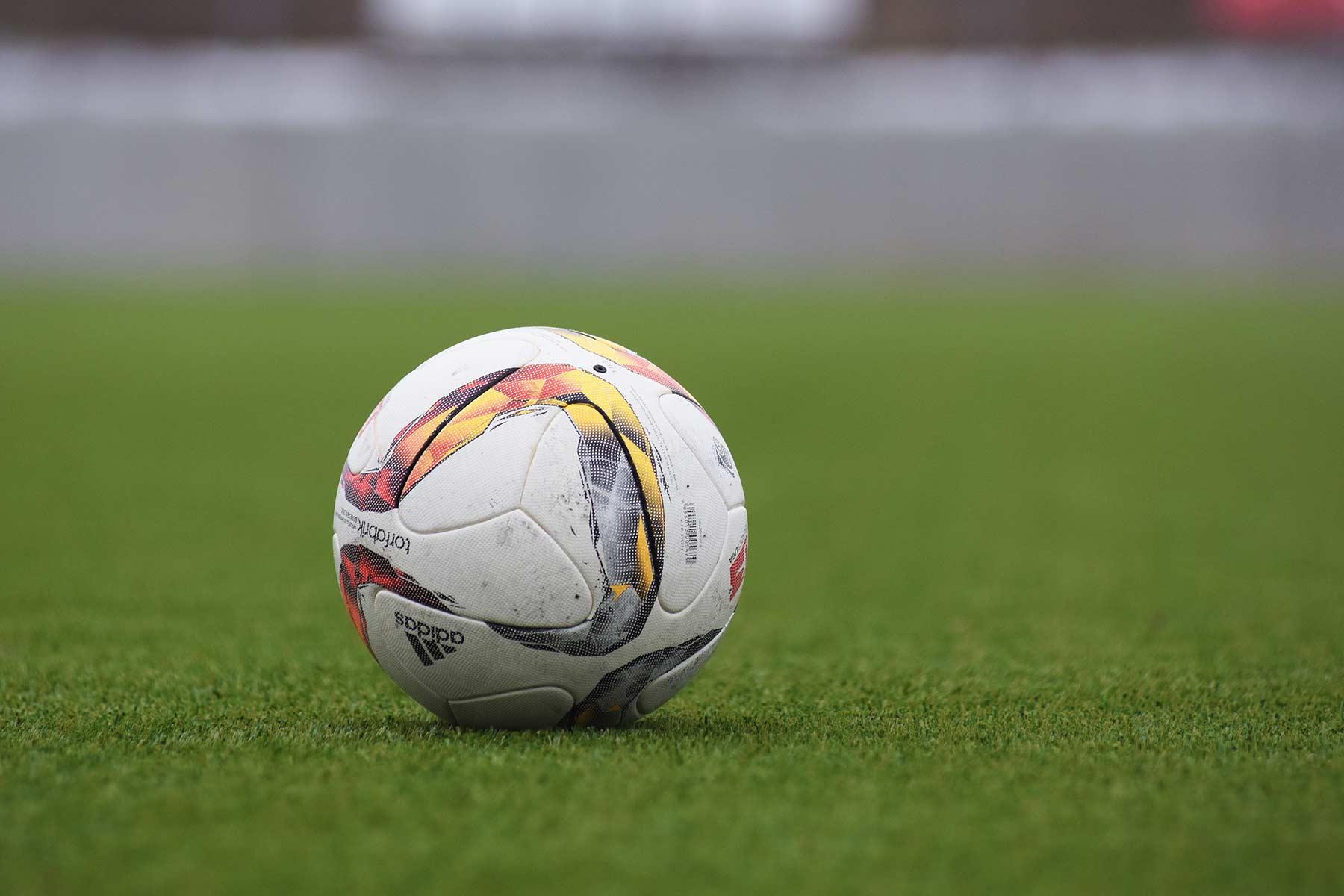 Dauert ein Fußballspiel bald 2×30 Minuten?