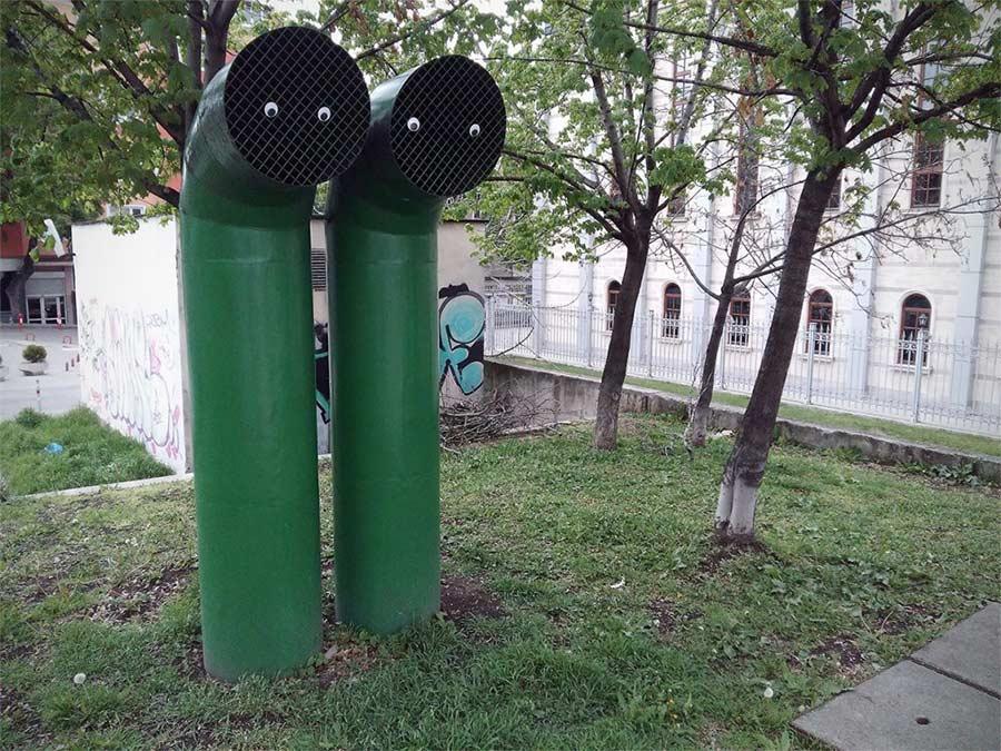 In Bulgarien trägt die Stadt Googly Eyes eyebombing_02