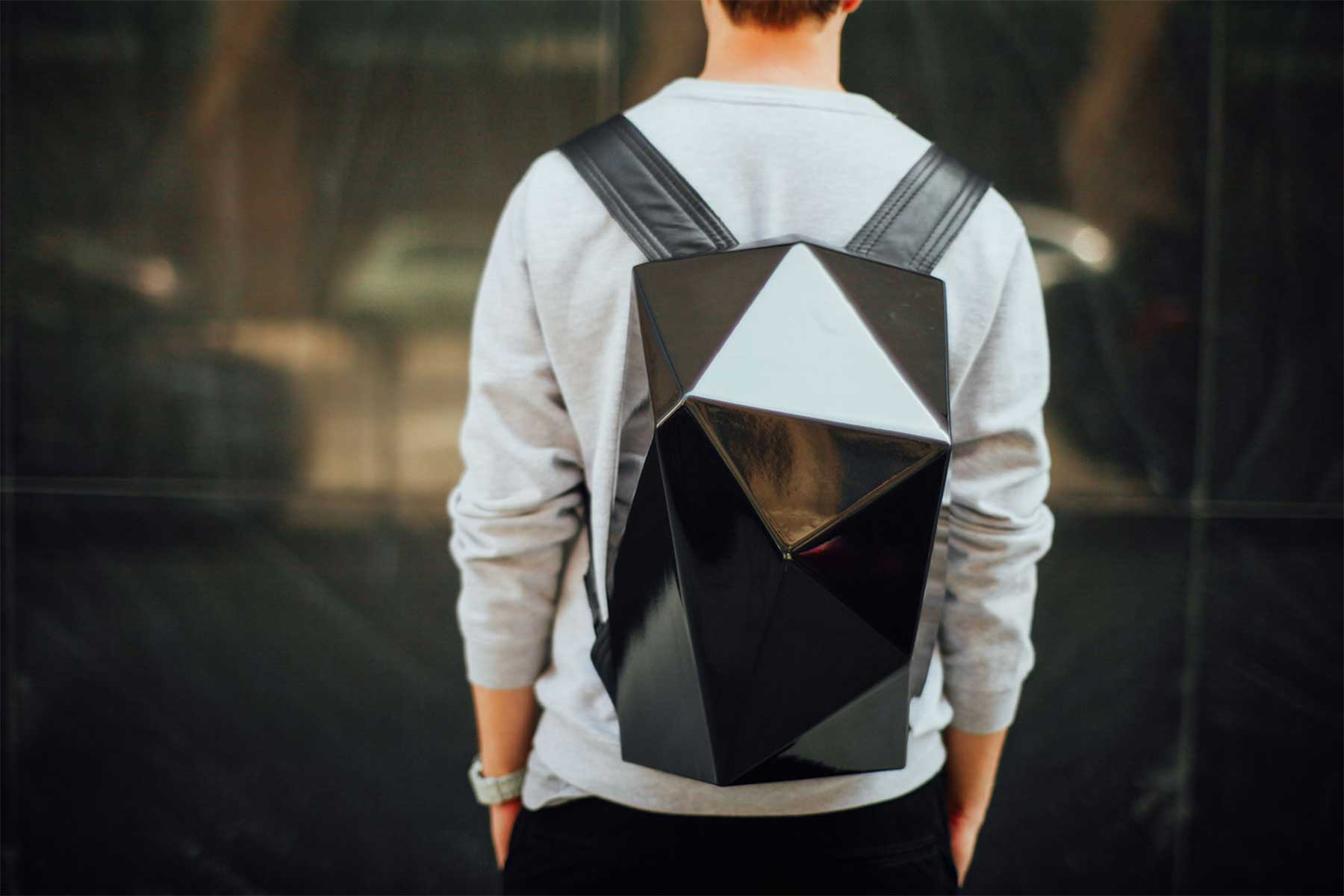 Stylischer Low Poly-Rucksack the-one-backpack-low-poly_03