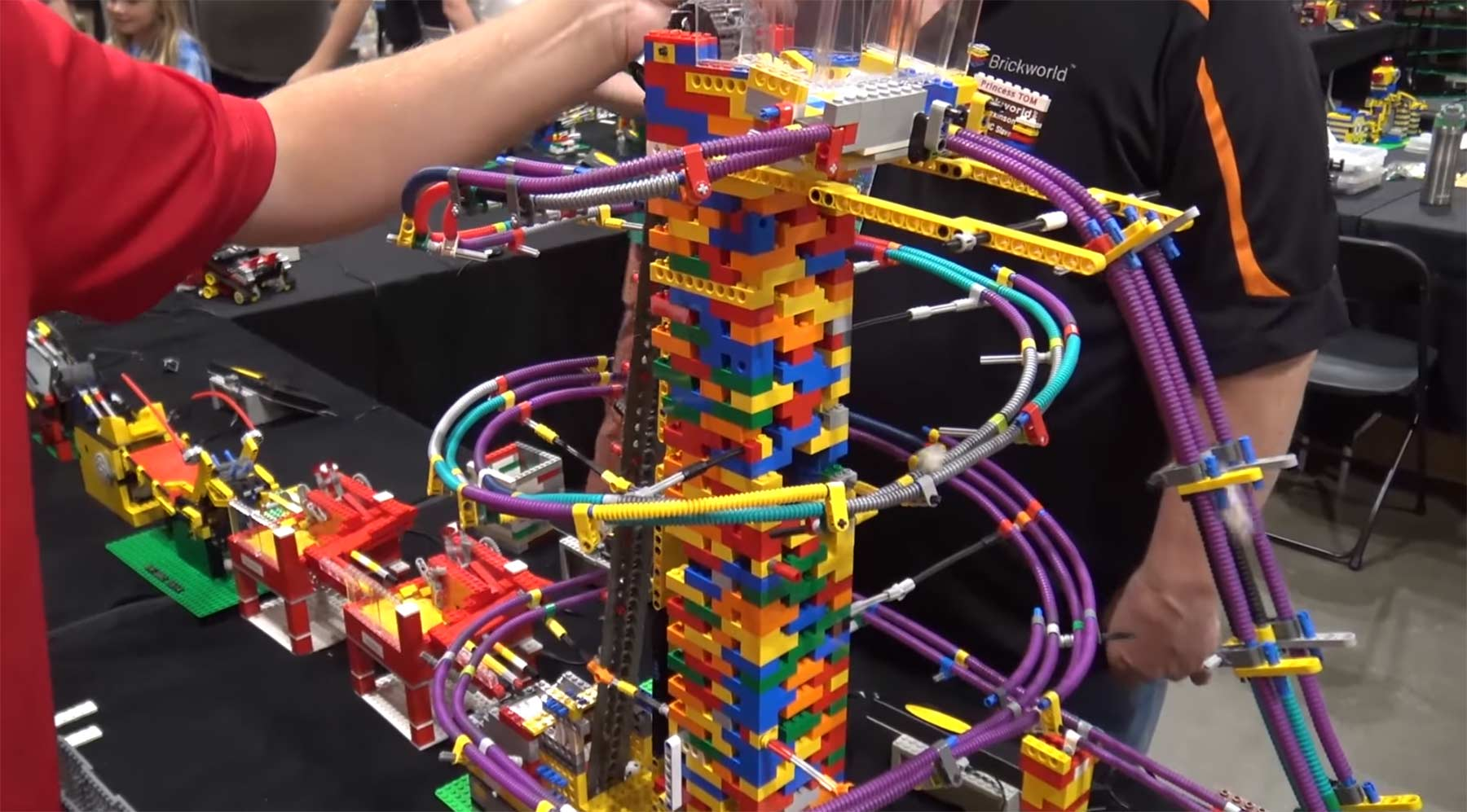 Ultralange LEGO-Ballbeförderungsmaschine