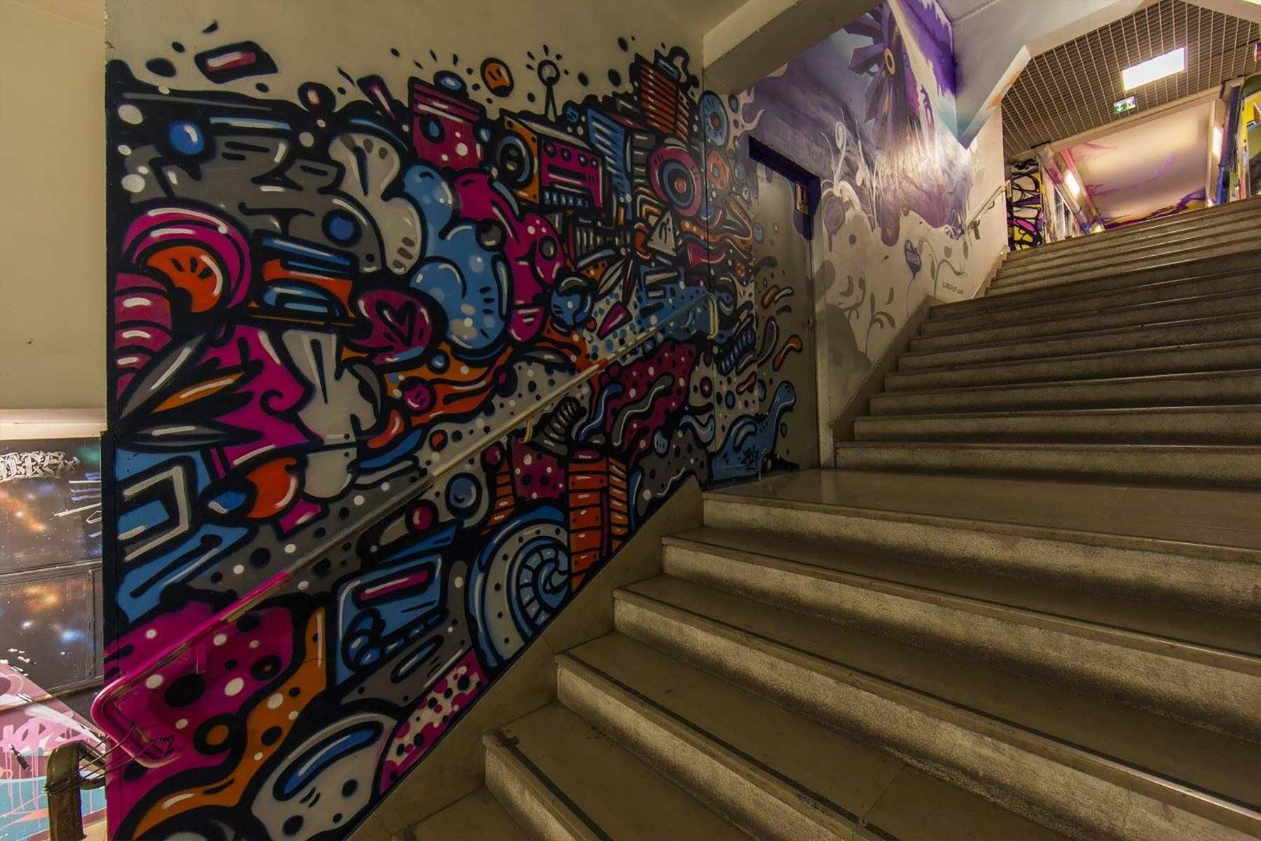 100 Graffiti-Künstler haben dieses Studentenwohnheim verschönert Cite-Internationale-Universitaire-Paris-Rehab2_06