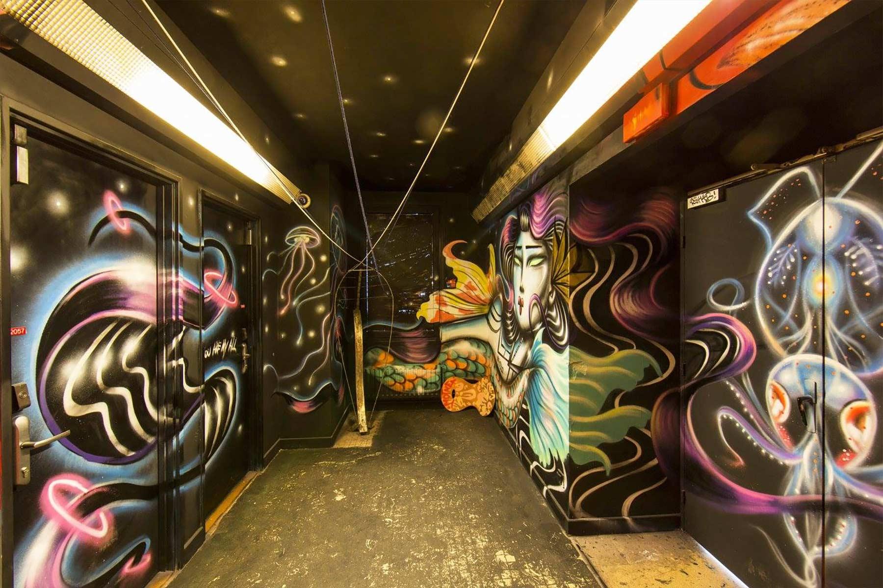 100 Graffiti-Künstler haben dieses Studentenwohnheim verschönert Cite-Internationale-Universitaire-Paris-Rehab2_09