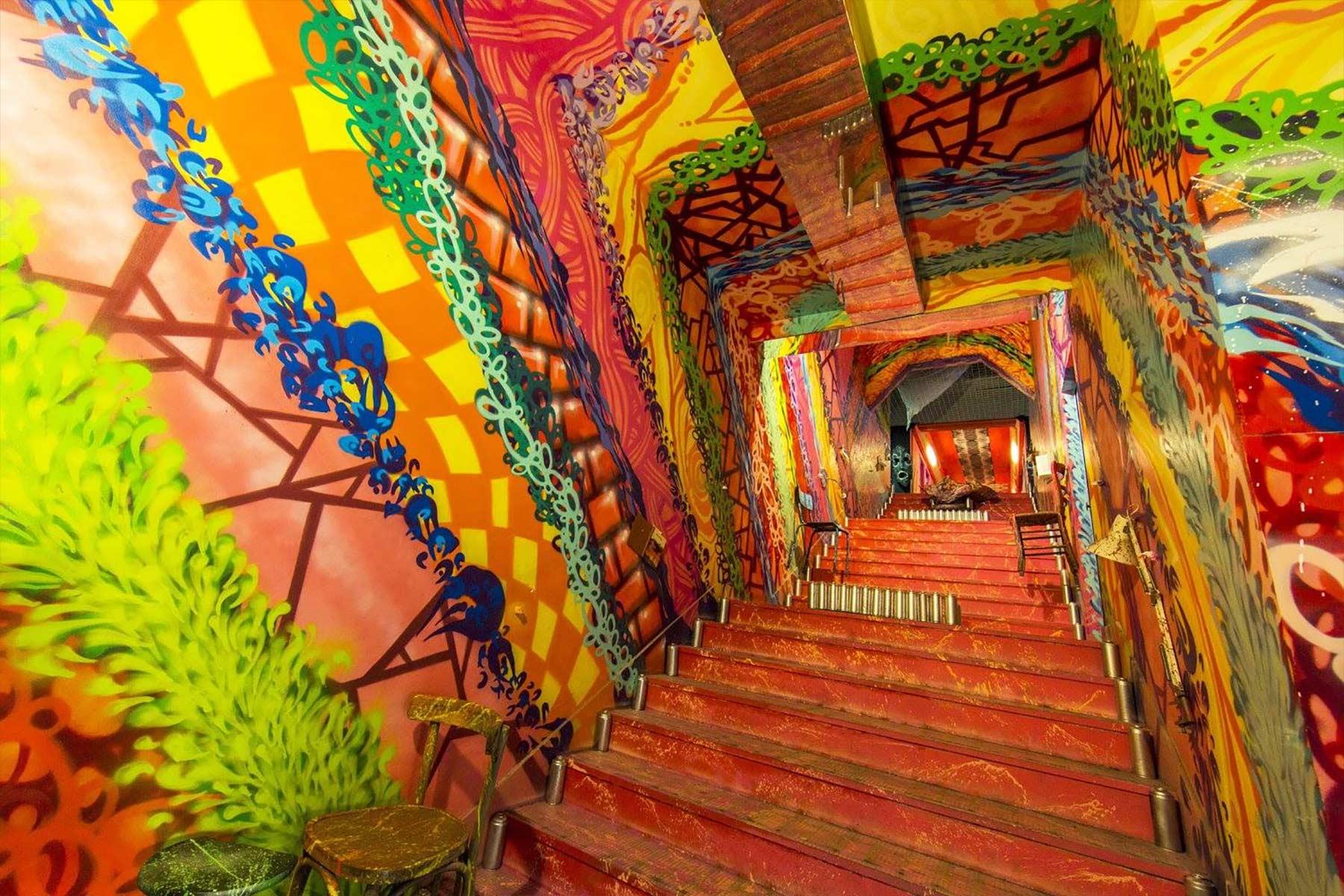 100 Graffiti-Künstler haben dieses Studentenwohnheim verschönert Cite-Internationale-Universitaire-Paris-Rehab2_15