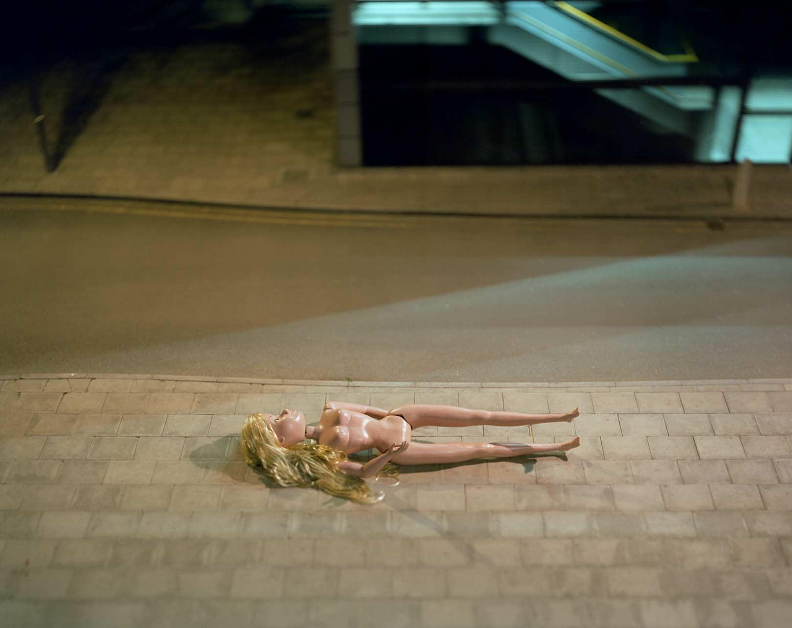 Angriff der 6-Meter-Barbies Michael-John-Hunter-Doll_02
