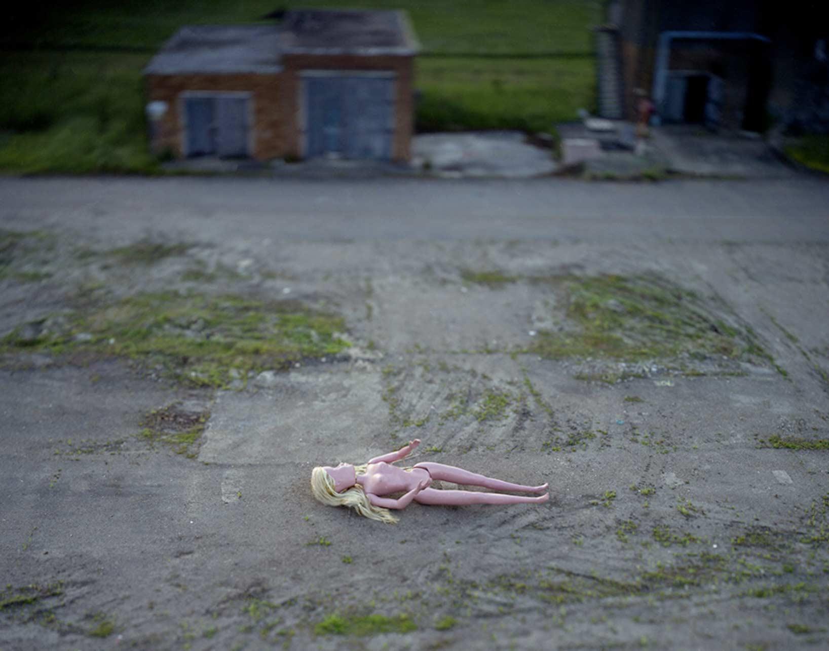 Angriff der 6-Meter-Barbies Michael-John-Hunter-Doll_03