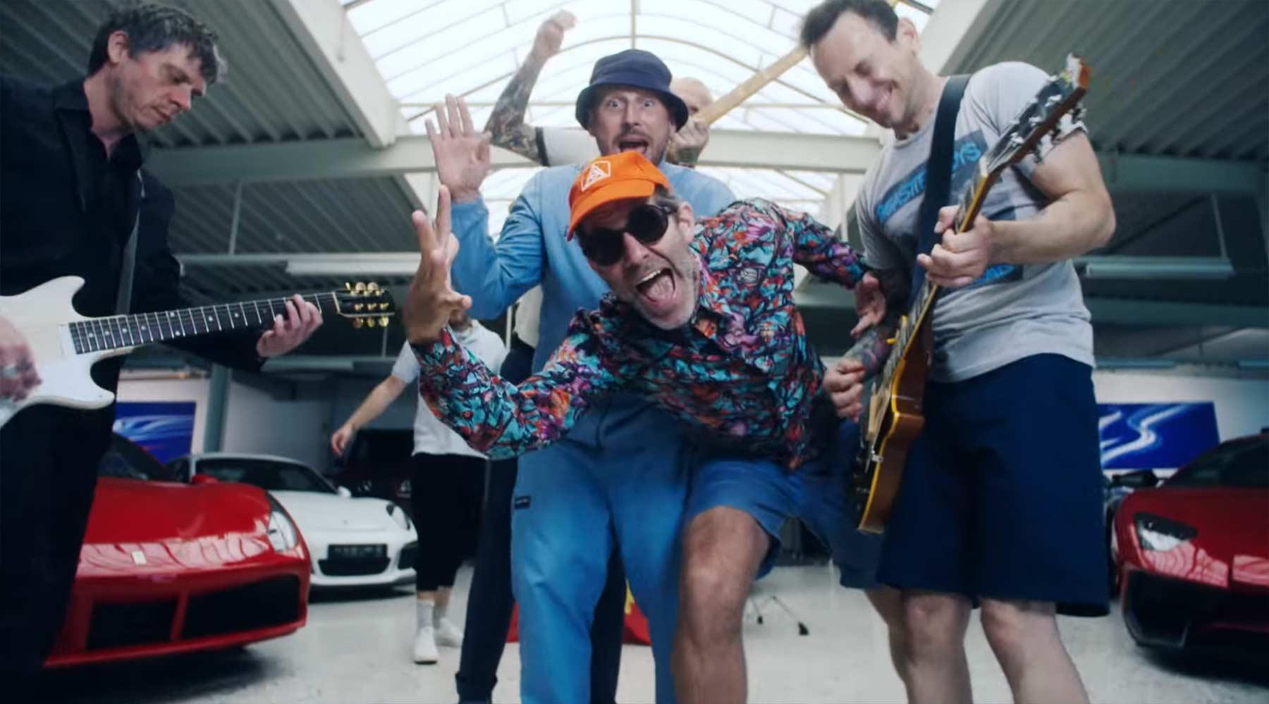 Beatsteaks feat. Deichkind - L auf der Stirn beatsteaks-ft-deichkind-l-auf-der-stirn