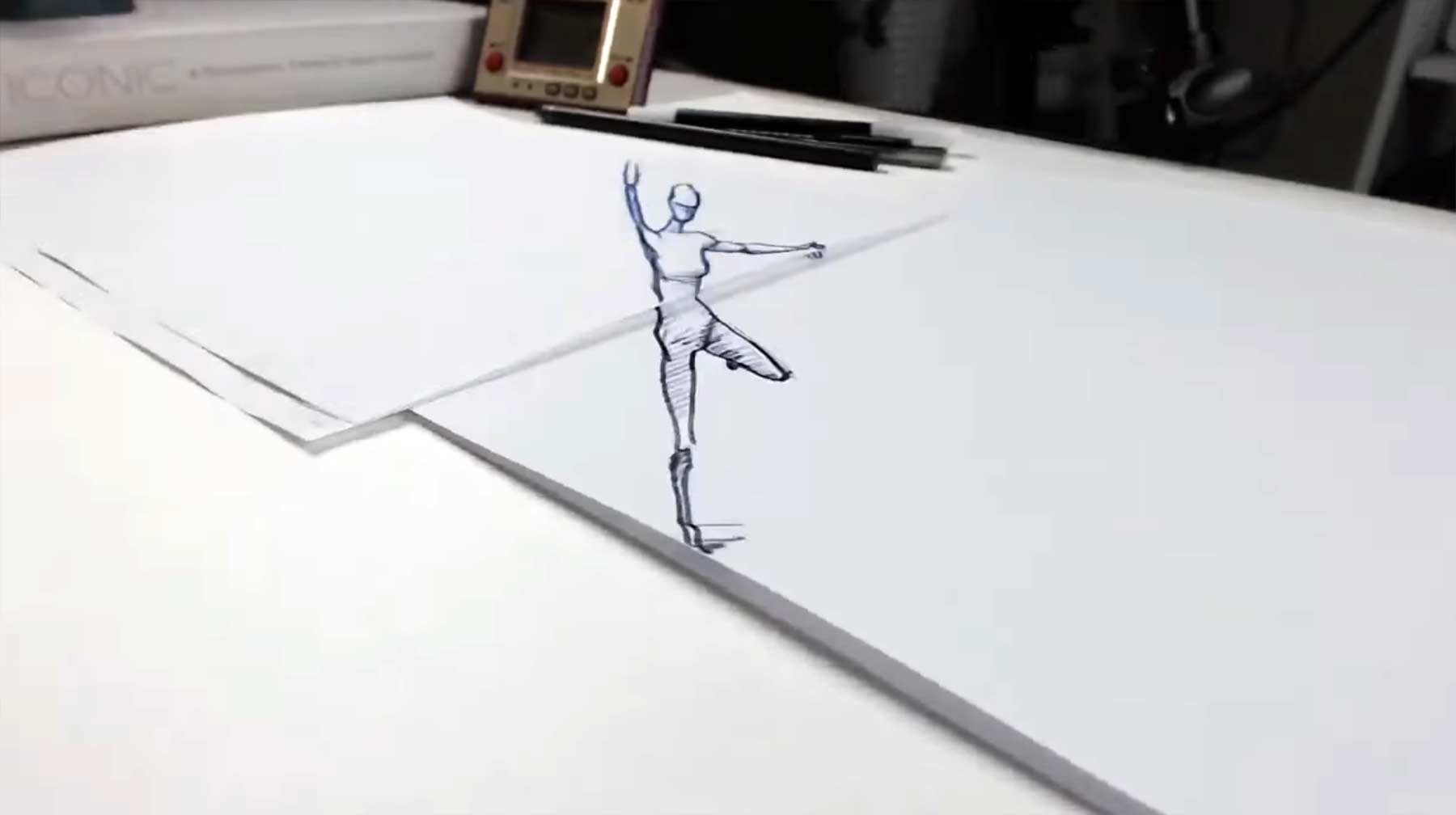 3D-Zeichnung tanzt im Stopmotion-Kreis dancer-drawn-on-paper