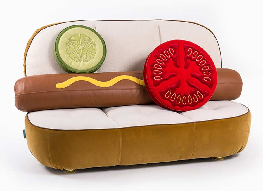 Hot Dog-Sofa und Hamburger-Sessel