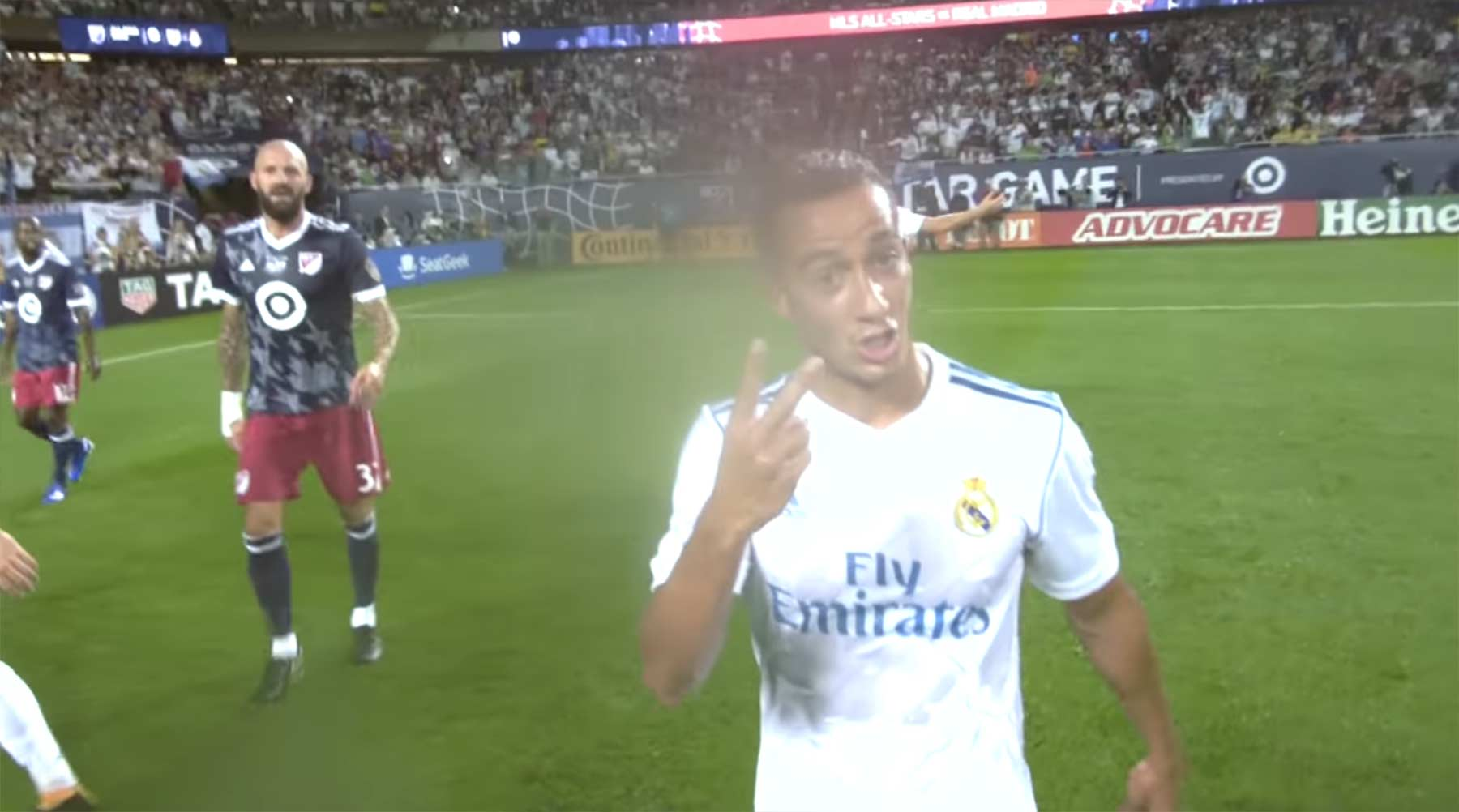 Fußballspiel aus der Sicht des Schiedsrichters ref-cam-msl-allstar-real-madrid-fussball-schiedsrichter-kamera