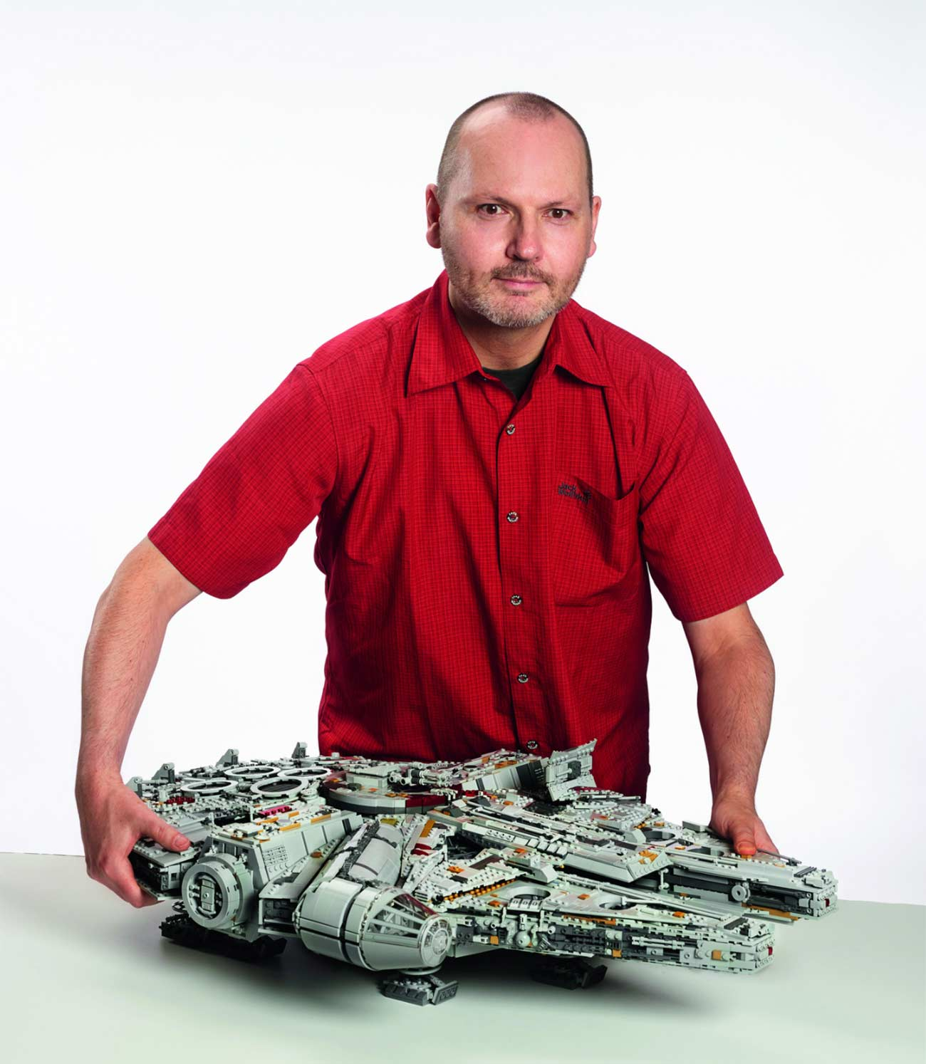 Dieser neue LEGO-Millennium Falcon kommt mit 7.541 Steinen LEGO-Millennium-Falcon-neu_06