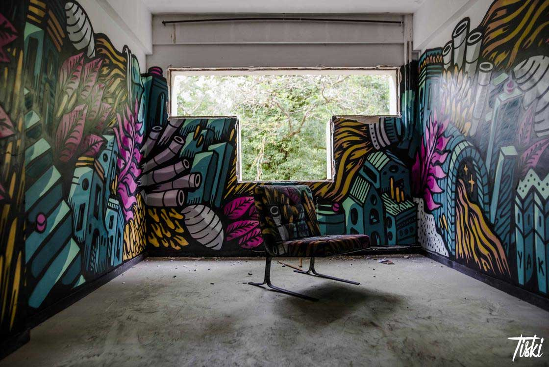 100 Street Artists haben dieses Schloss verschönert LaBel-Valette-Festival_01