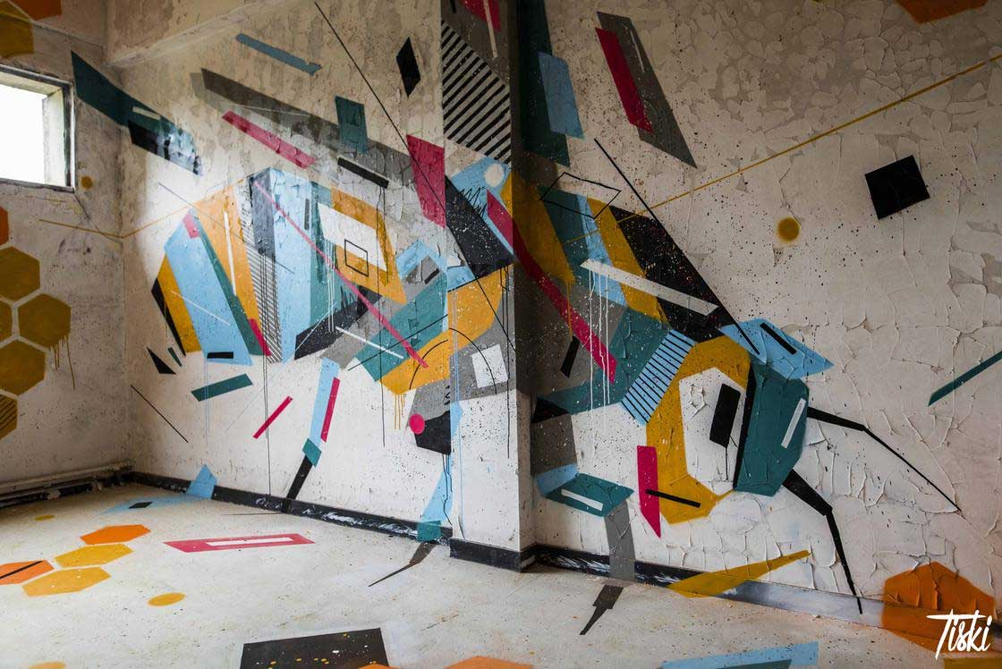 100 Street Artists haben dieses Schloss verschönert LaBel-Valette-Festival_06