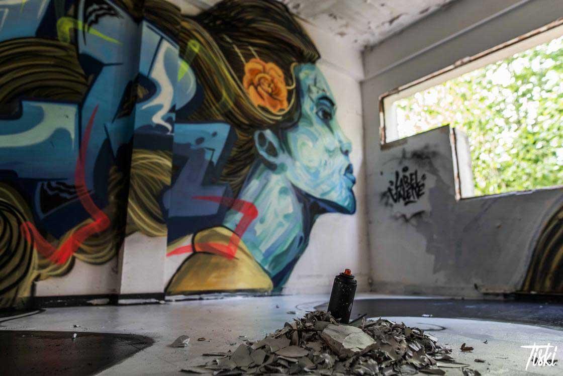 100 Street Artists haben dieses Schloss verschönert LaBel-Valette-Festival_07