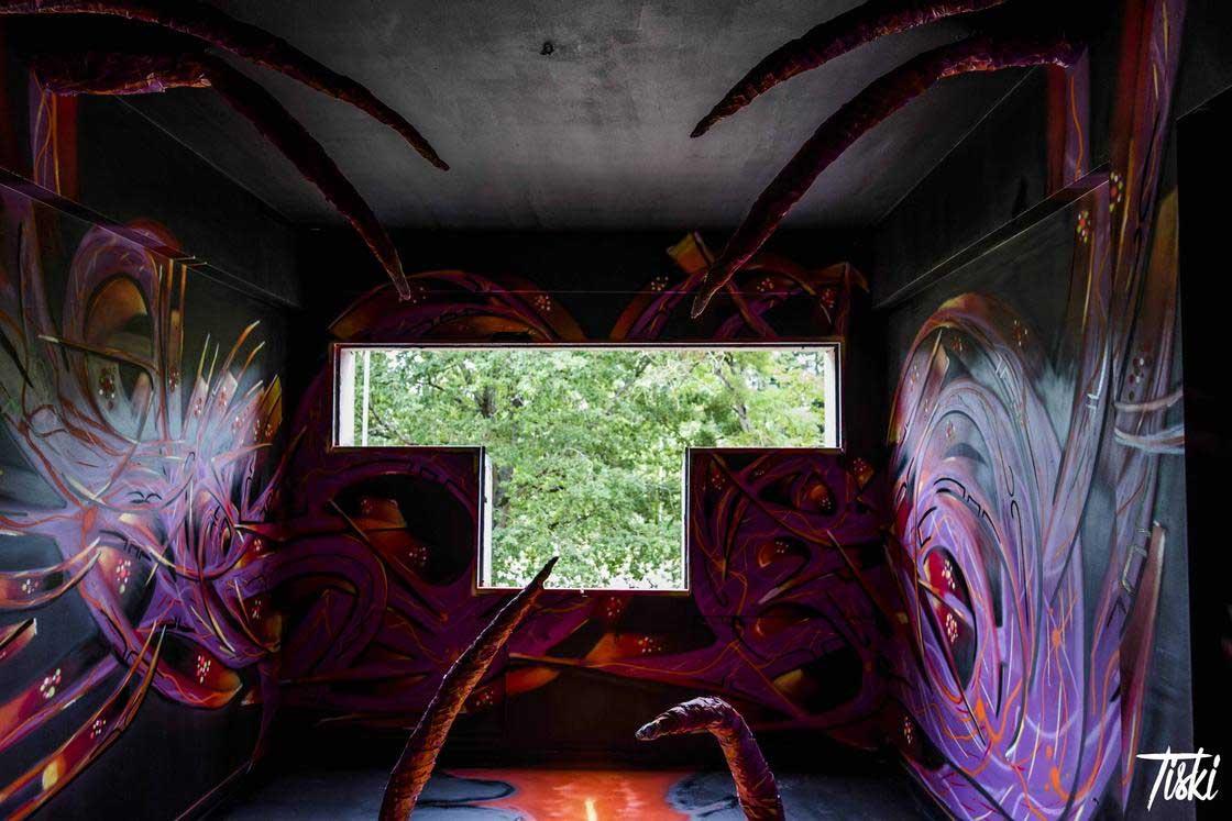 100 Street Artists haben dieses Schloss verschönert LaBel-Valette-Festival_08