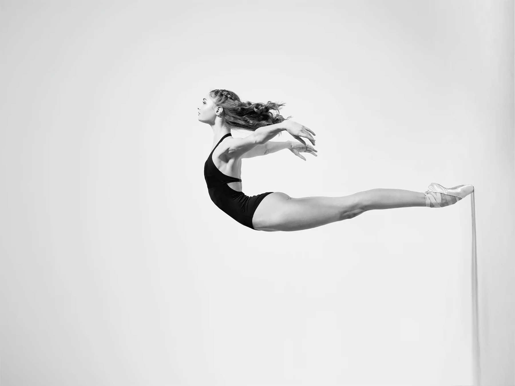 Tänzersprünge in Superzeitlupe Niv-Novak_01