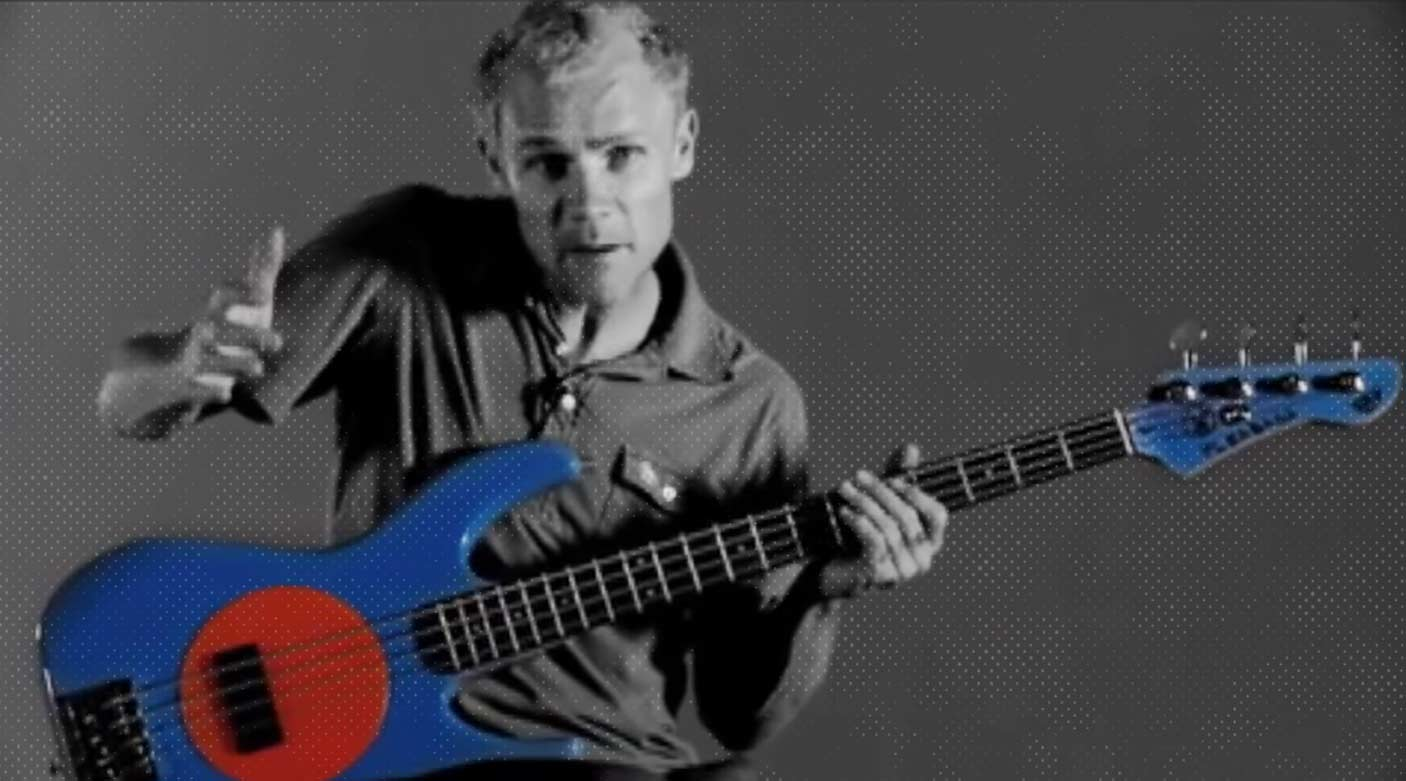 So spielt Chili Peppers-Bassist Flea flea-chili-peppers-bass