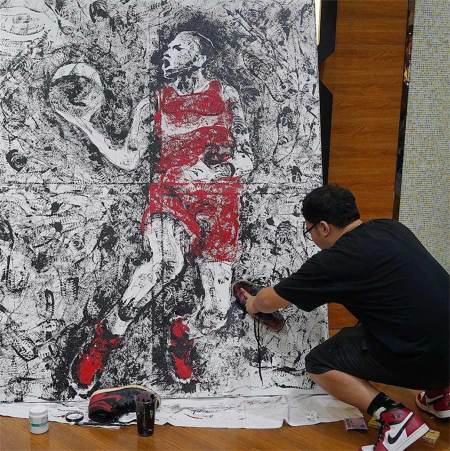 Michael Jordan mit einem Paar AIR JORDAN 1-Sneaker gemalt jordan-sneakers-portrait_04